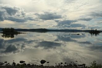 Awesome Uddjaure lake